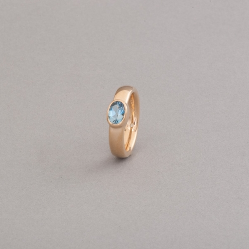 Ring aus 18 Karat Gold mit Aquamarin, Botho Nickel Schmuck Hamburg