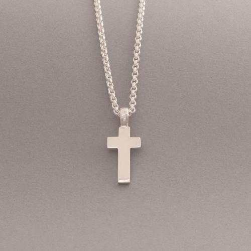 Kette aus Silber mit Kreuz