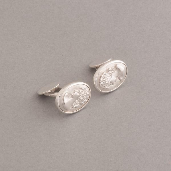 Manschettenknöpfe aus Silber mit Gemme