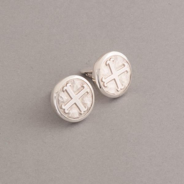 Manschettenknöpfe aus Silber mit Kreuz