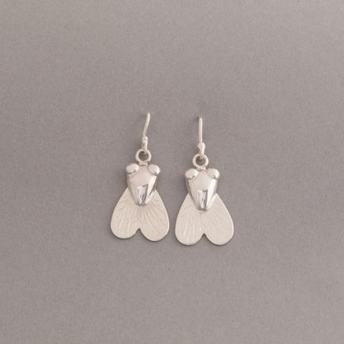 Ohrring aus Silber mit Fliege