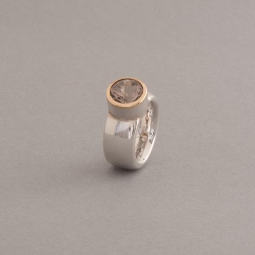 Ring aus Silber mit Rauchquarz
