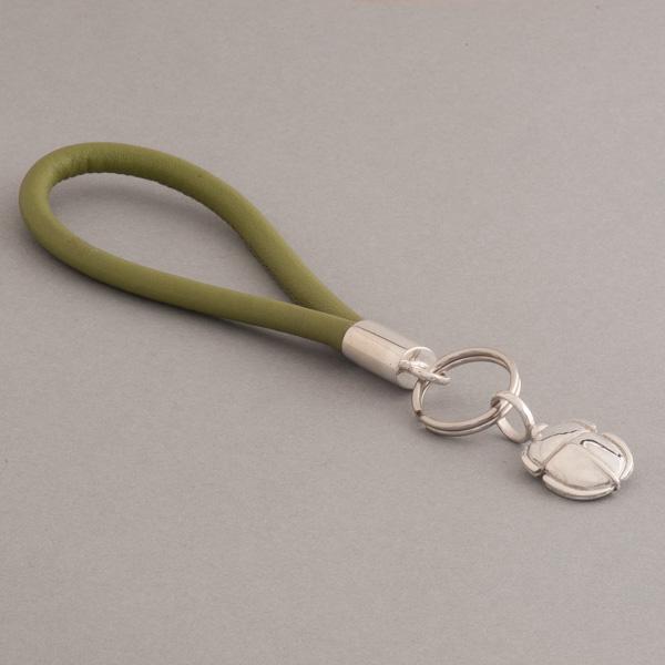 Schlüsselring mit Leder und Silber und Scarabäus