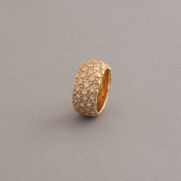 Ring aus 18 Karat Gold mit Brillanten