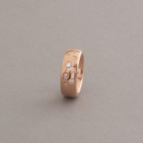 Ring aus 18 Karat Gold mit Brillanten Rosegold