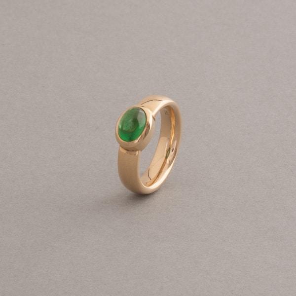 Ring aus 18 Karat Gold mit Tsavorith