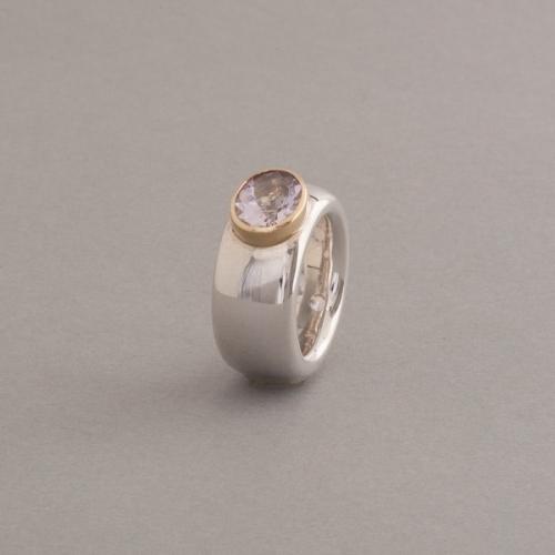 Ring aus Silber mit Amethyst