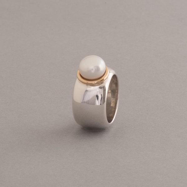 Ring aus Silber mit Süßwasser Zuchtperle