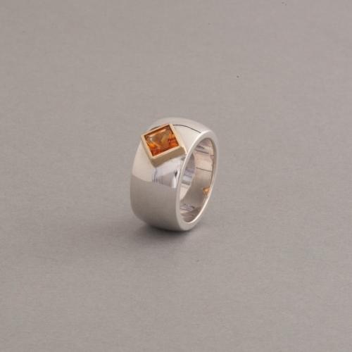Ring aus Silbe mit Citrin