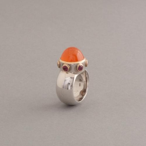 Ring aus Silber mit Mandarin Granat