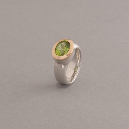 Ring mit Peridot Silber