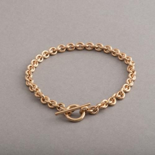 Armband aus 18 Karat Gold mit Knebelschließe