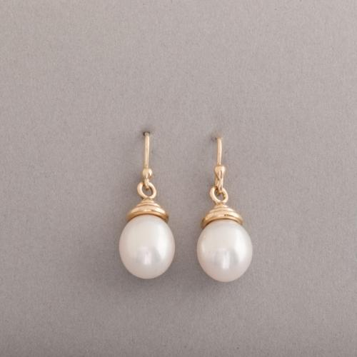 Ohrringe aus 18 Karat Gold mit Süsswasser Zuchtperlen