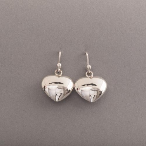 Ohrringe aus Silber mit Herzen
