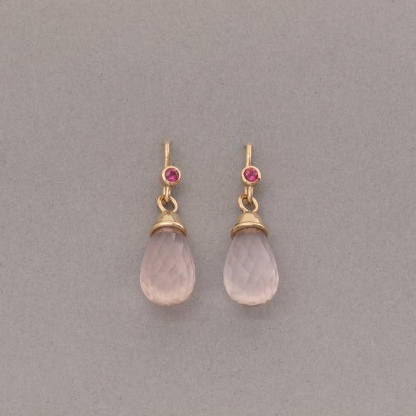 Ohrringe aus 18 Karat Gold mit Rosenquarz und Rubelliten
