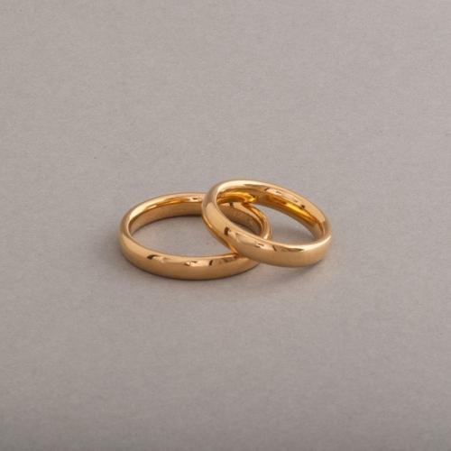 Trauringe aus 18 Karat Gold 4x2 mm