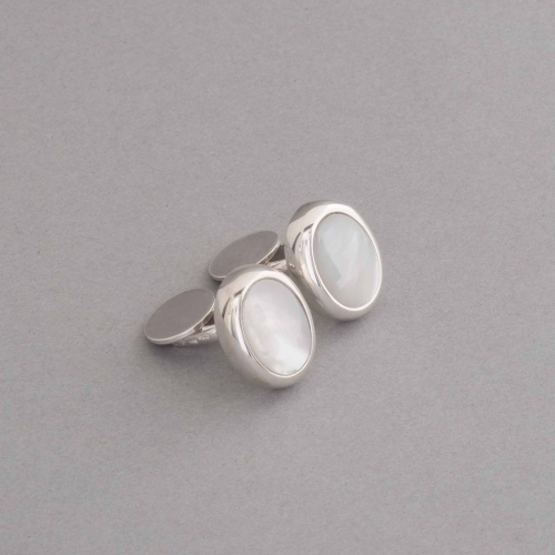 manschttenknoepfe-aus-silber-perlmutt