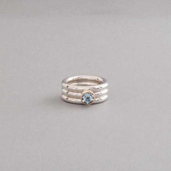 Ringe aus Silber mit Aquamarin rund facettiert, Fassung aus 18 Karat Gold, Botho Nickel Schmuck Hamburg
