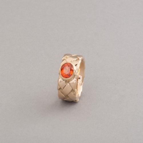 Ring aus 18 Karat Gold mit Mandarin Granat, Botho Nickel Schmuck Hamburg