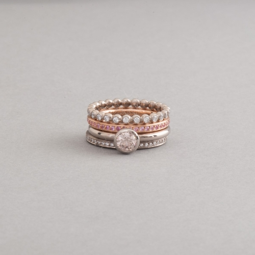 Ringe aus 18 Karat Gold mit Brillanten und pinken Saphiren, Juwelier und Goldschmiede Botho Nickel Schmuck Hamburg