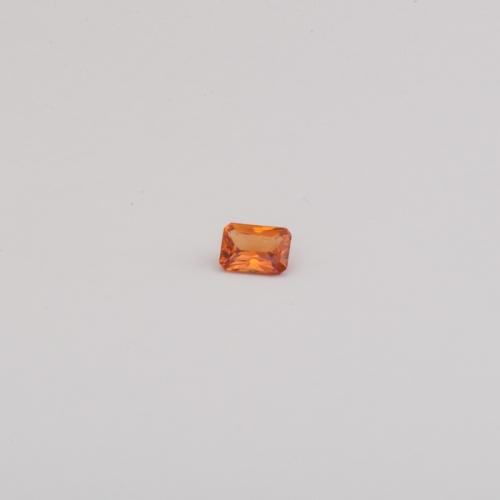 Edelsteine Mandarin Granat Achteck im Princess Cut Juwelier , Goldschmiede und Gemmologe Botho Nickel Schmuck Hamburg