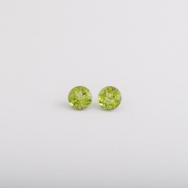 Edelsteine Peridot rund facettiert Botho Nickel Schmuck Juwelier, Goldschmied, Gemmologe und Diamantgutachter