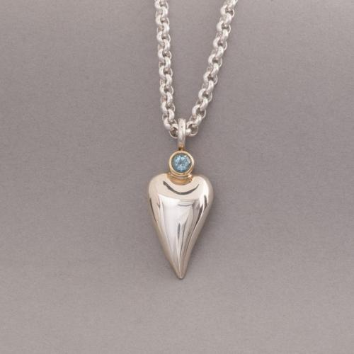 Kette aus Silber mit Herz und Aquamarin, Botho Nickel Schmmuck Hamburg Juwelier und Goldschmiede