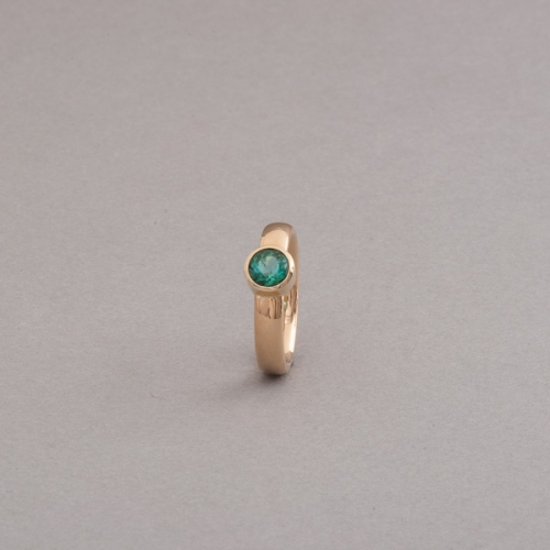 Ring aus 18 Karat Gold mit Turmalin, Botho Nickel Schmuck Hamburg Juwelier und Goldschmiede Gemmologe und Diamantgutachter