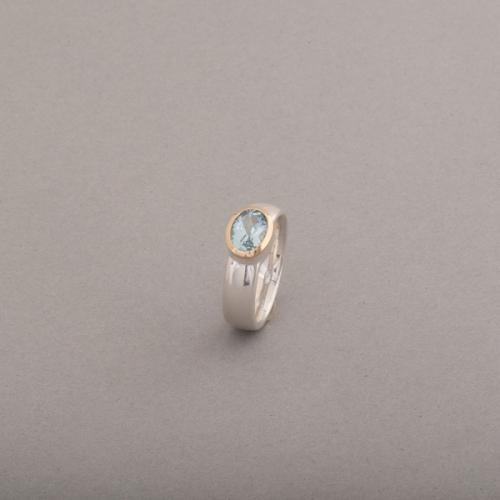 Ring aus Silber mit Aquamarin oval facettiert, Botho Nickel Schmuck Hamburg Juwelier, Goldschmiede, Gemmologe und Diamantgutachter