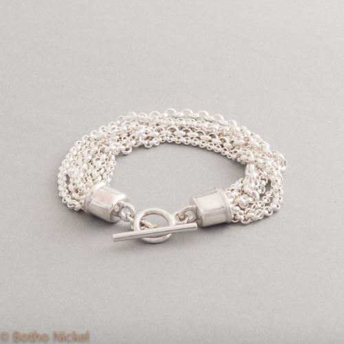 Armband aus Silber mit Knebelverschluss, Botho Nickel Schmuck Hamburg, Juwelier, Goldschmiede, Gemmologe und Diamantgutachter