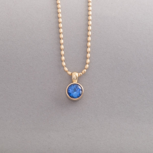 Kette aus 18 Karat Gold mit Tansanit, Botho Nickel Schmuck Hamburg, Juwelier, Goldschmiede, Gemmologe und Diamantgutachter