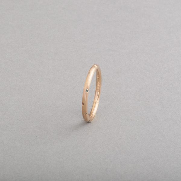 Ring aus 18 Karat Gelbgold mit Brillanten als Sternenhimmel gefasst, Botho Nickel Schmuck, Juwelier, Goldschmied, Gemmologe und Diamantgutachter