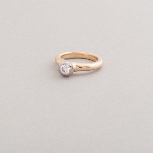 Ring aus 18 Karat Gold mit Brillant (Halbkaräter), Juwelier, Goldschmiede, Diamantgutachter und Gemmologe