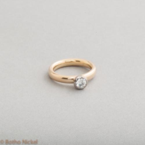 Verlobungsring aus 18 Karat Gold mit Brillant, Botho Nickel Schmuck Hamburg, Goldschmiede, Juwelier, Gemmologe und Diamantgutachter
