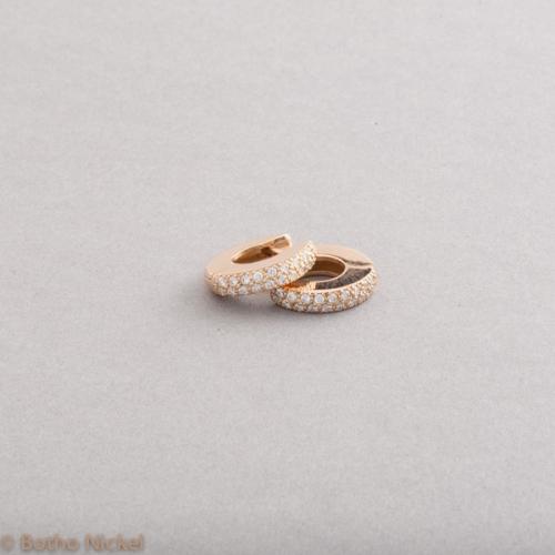 Kreolen aus 18 Karat Roségold mit Brillanten im Verschnitt gefasst, Botho Nickel Schmuck Hamburg, Juwelier Goldschmiede Gemmologe und Diamantgutachter