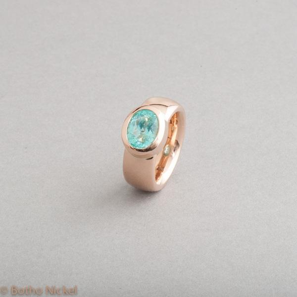 Ring aus 18 Karat Roségold mit Paraiba Turmalin, Goldschmiede Botho Nickel Schmuck Hamburg, Juwelier, Goldschmiede, Gemmologe und Diamantgutachter