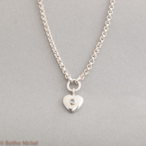 Kette aus Silber mit Tsavorith Goldschmiede Botho Nickel Schmuck Hamburg Juwelier, Goldschmiede, Gemmologe und Diamantgutachter