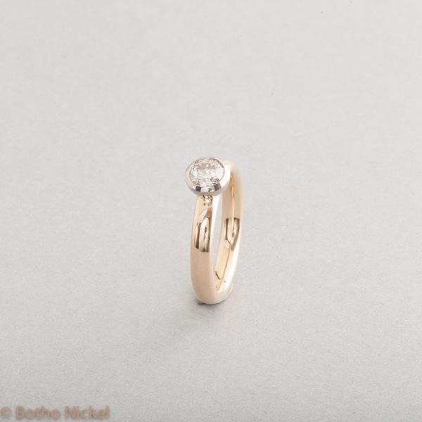 """Ring aus 18 Karat Gold mit Brillant """"Zimt"""", Botho Nickel Schmuck Hamburg, Goldschmiede, Juwelier, Gemmologe und Diamantgutachter"""