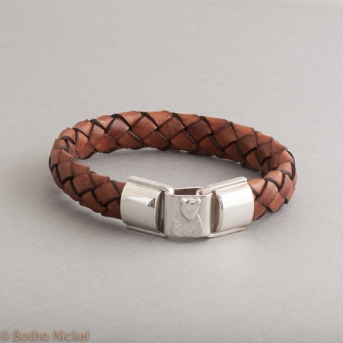 Armband aus Leder mit Botho Nickel Fliege, Botho Nickel Schmuck Hamburg, Juwelier, Goldschmiede, Gemmologe und Diamantgutachter