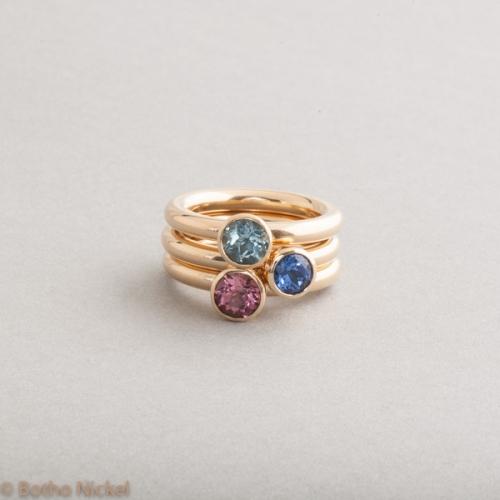 Ringe aus 18 Karat Gold mit Edelsteinen, Botho Nickel Schmuck Hamburg, Juwelier, Goldschmiede, Gemmologe und Diamantgutachter