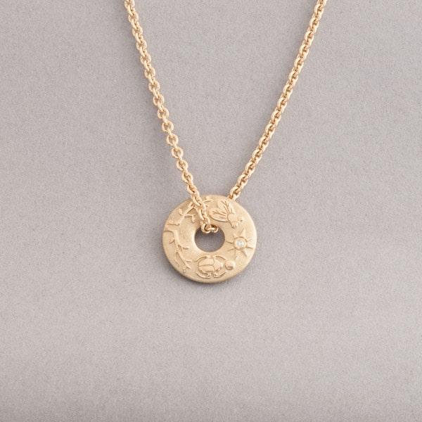 Kette aus 18 Karat Gold mit Anhänger Confidence, Botho Nickel Schmuck Hamburg, Juwelier, Goldschmiede, Gemmologe und Diamantgutachter