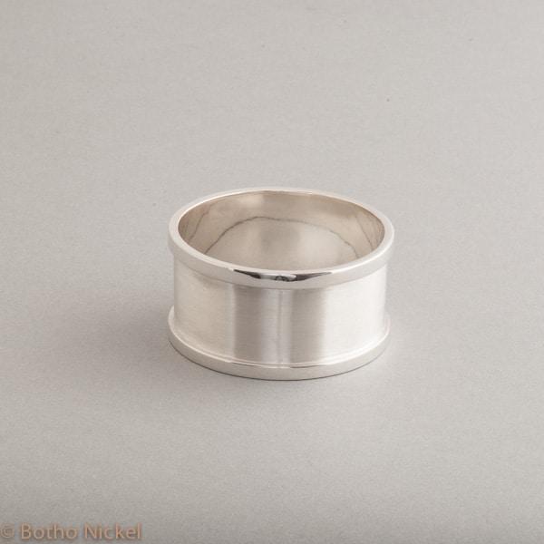 Serviettenring aus Sterling Silber , Botho Nickel Schmuck Hamburg, Juwelier, Goldschmiede, Gemmologe und Diamantgutachter