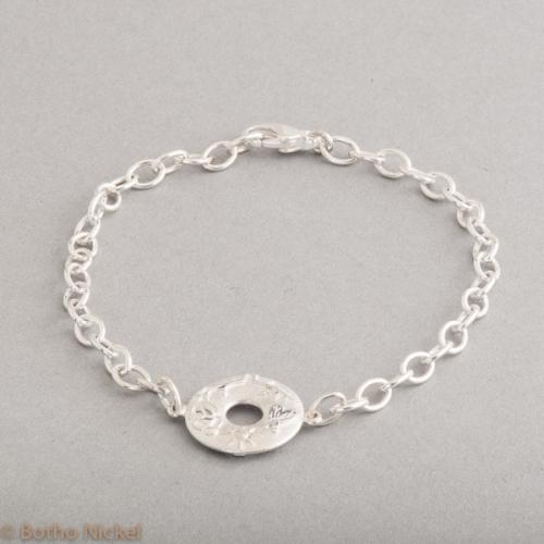 Armband aus Silber mit Anhänger Condidence, Botho Nickel Schmuck Hamburg, Juwelier, Goldschmiede, Gemmologe und Diamantgutachter