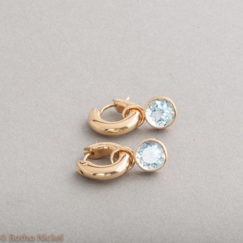 Kreolen aus 18 Karat Gold mit Aquamarinen, Botho Nickel Schmuck Hamburg, Juwelier, Goldschmiede Gemmologe und Diamantgutachter