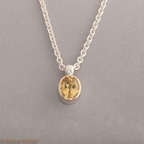 Kette aus Silber mit Goldberyll , Fassung aus 18 Karat Gold, Botho Nickel Schmuck Hamburg, Juwelier und Goldschmiede