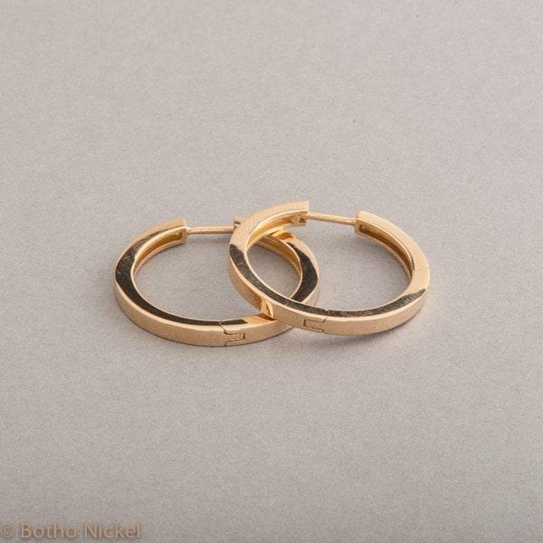 Kreolen aus 18 Karat Gold, Botho Nickel Schmuck Hamburg, Juwelier und Goldschmiede