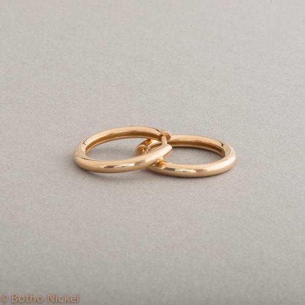 Kreolen aus 18 Karat Gold, Botho Nickel Schmuck Hamburg Juwelier und Goldschmiede