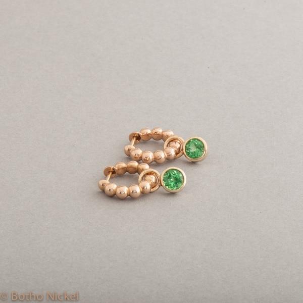Kreolen aus 18 Karat Gold mit Tsavoriten, Botho Nickel Schmuck Hamburg Juwelier und Goldschmiede