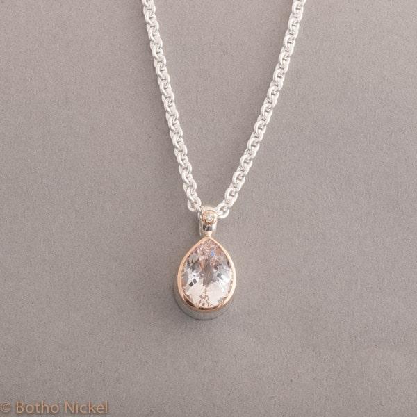 Kette aus Silber mit Morganit Tropfen und Brillant, Fassung aus 18 Karat Roségold, Botho Nickel Schmuck Hamburg Juwelier und Goldschmiede