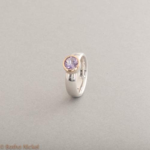 Ring aus Silber mit rosa Amethyst, Fassung 18 Karat Gold, Botho Nickel Schmuck Hamburg, Juwelier und Goldschmiede